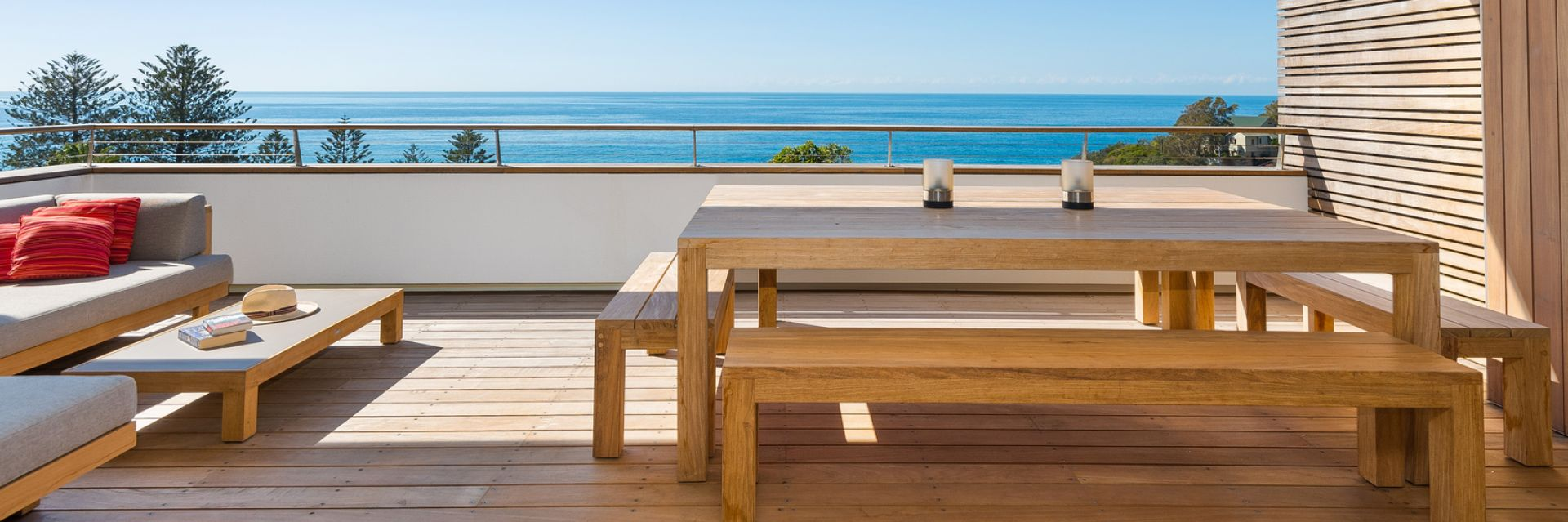 Belle Property Escapes property balcony overlooking the ocean at Whale Beach